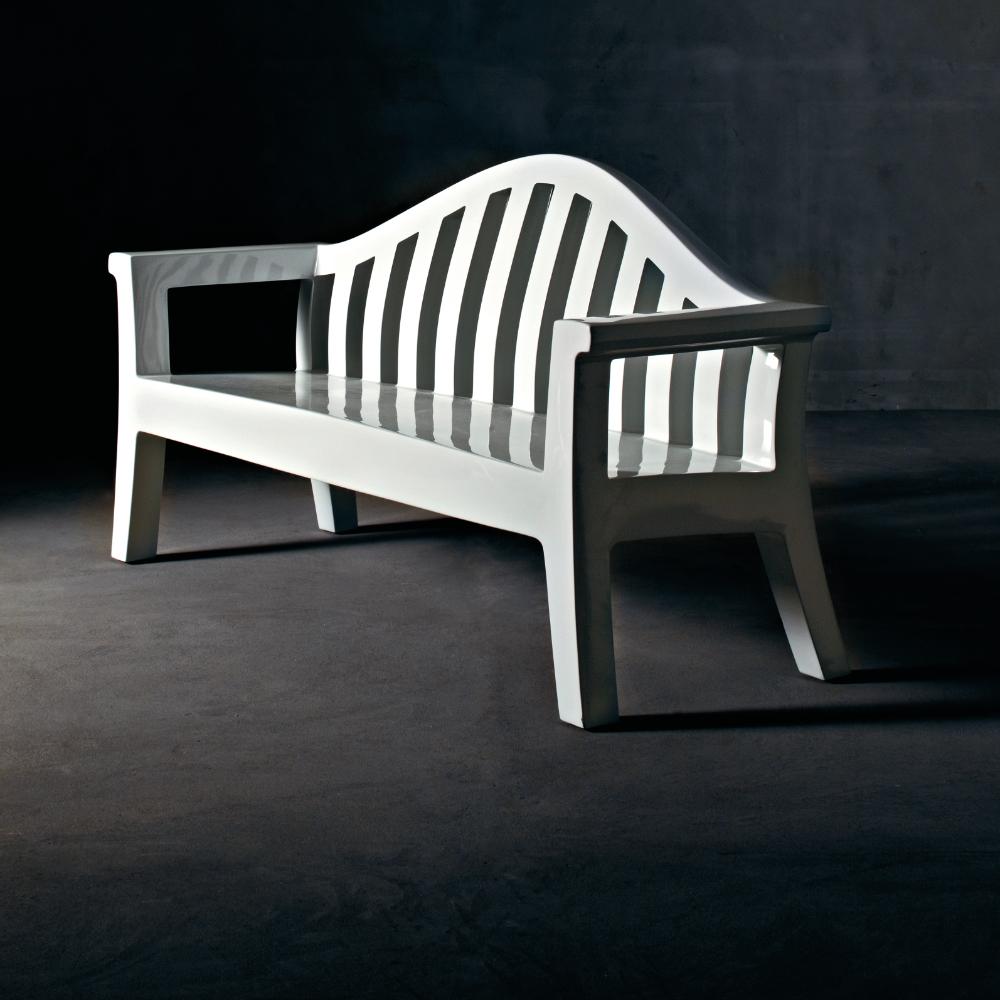 benches-fam-giulietta