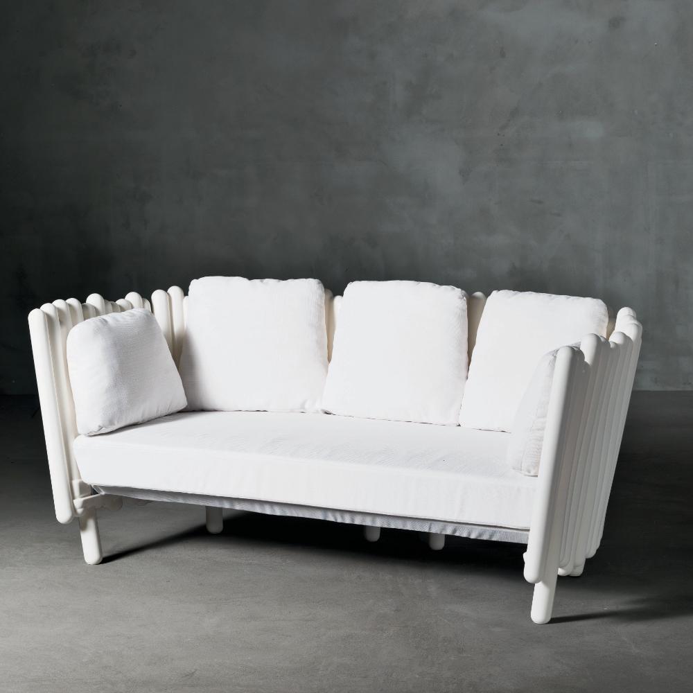 sofa-fam-canisse
